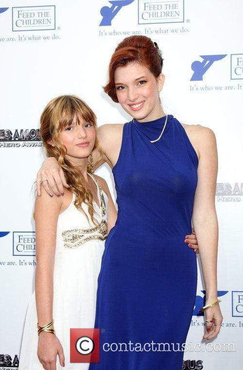 Bella Thorne and Kaili Thorne 4
