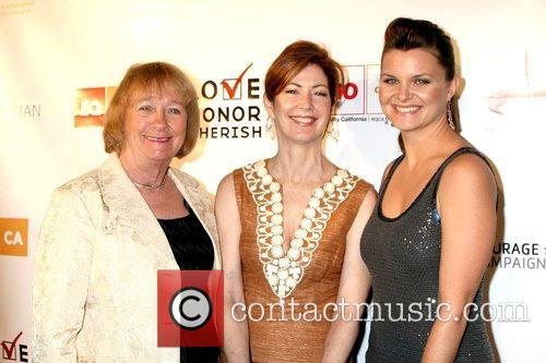 Kathy Joosten, Dana Delany and Heather Tom The...