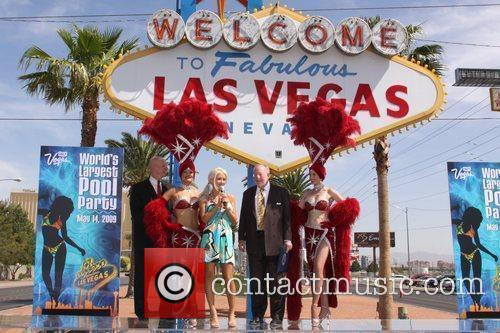 Holly Madison with Las Vegas Mayor Oscar B....