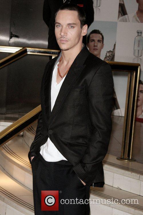 Jonathan Rhys Meyers 13