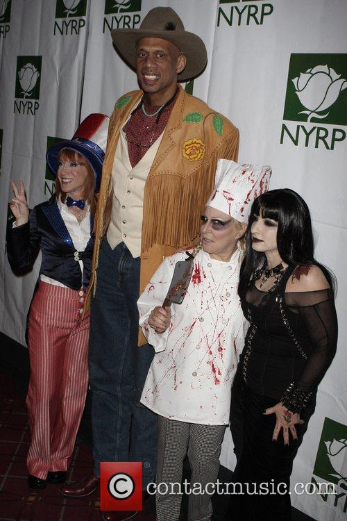Kathy Griffin, Bette Midler and Kareem Abdul-jabbar 4