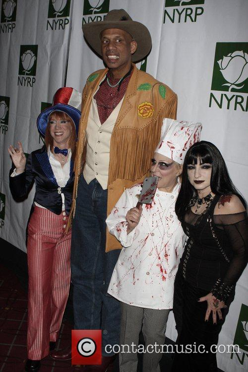 Kathy Griffin, Bette Midler and Kareem Abdul-jabbar 3