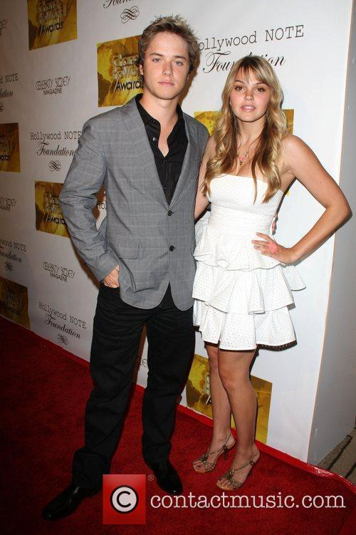 Aimee Teegarden and Jeremy Sumpter