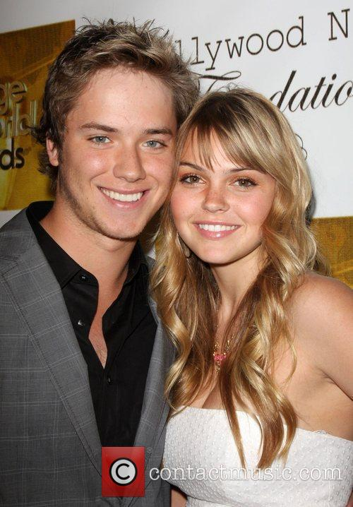 Aimee Teegarden and Jeremy Sumpter 2