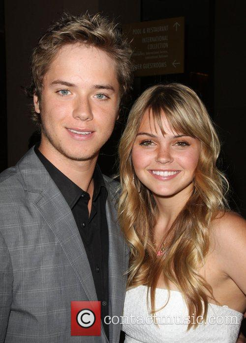 Aimee Teegarden and Jeremy Sumpter 6
