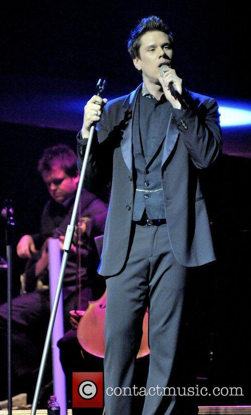 David Miller  IL Divo performing live on...