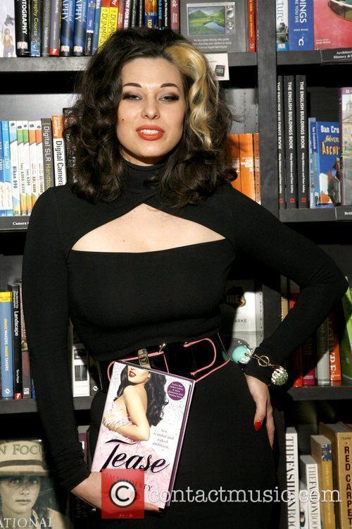 Burlesque Star Immodesty Blaize 7
