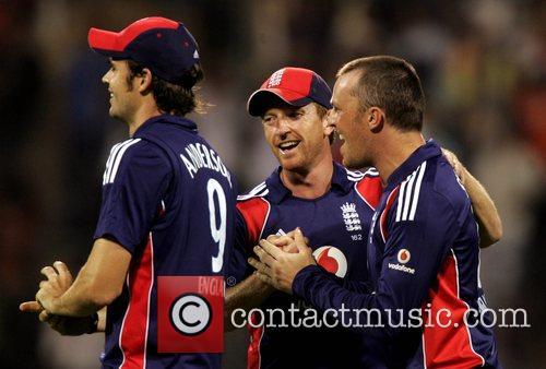 Graeme Swann 4th ODI England against India cricket...