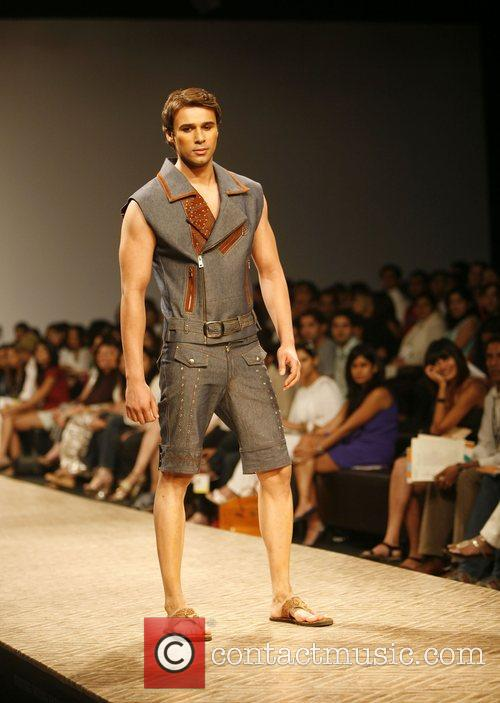 Model presents The Wills Lifestyle India Fashion Week...