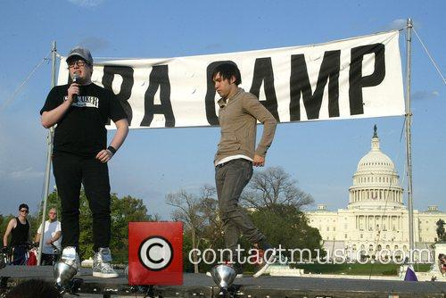 Patrick Stump and Pete Wentz 5