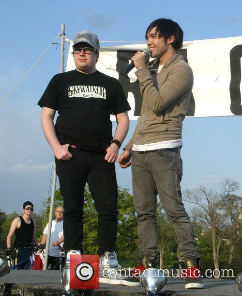 Patrick Stump and Pete Wentz 2