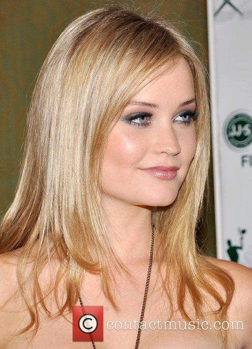 Laura Whitmore - Images Gallery