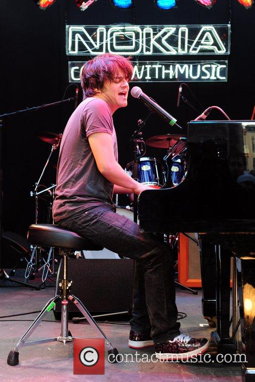 Jamie Cullum launches the worlds first 'Nokia Comes...