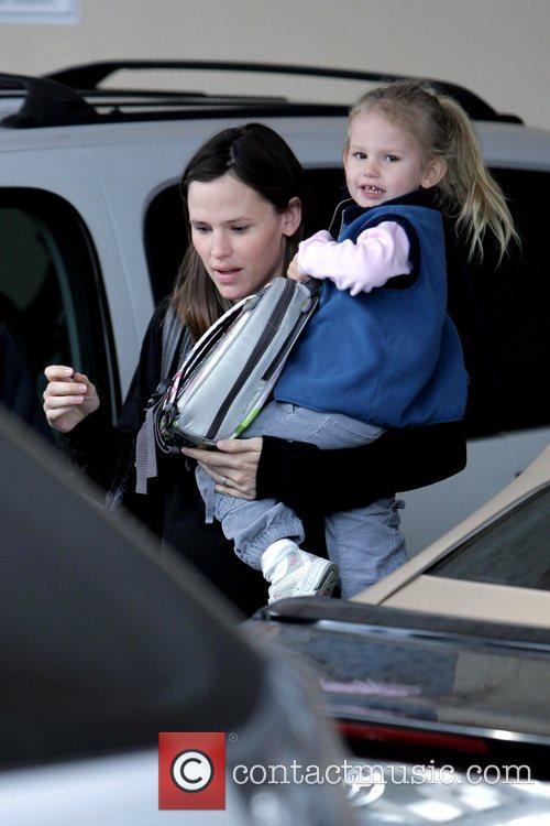 Jennifer Garner  picks up her daughter Violet...