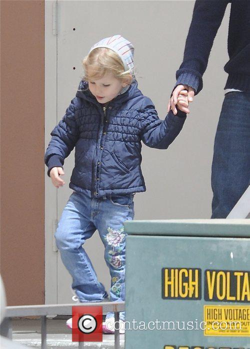 Jennifer Garner picks up her daughter Violet from...