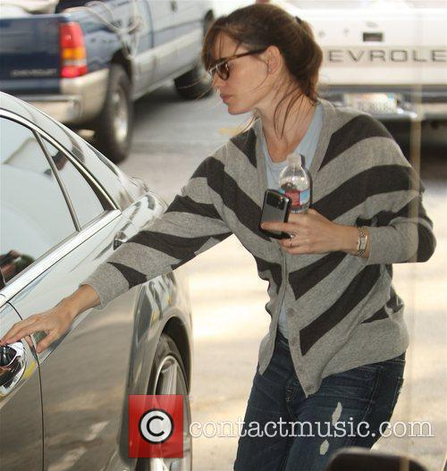 Jennifer Garner picks her daughter Violet Affleck up...