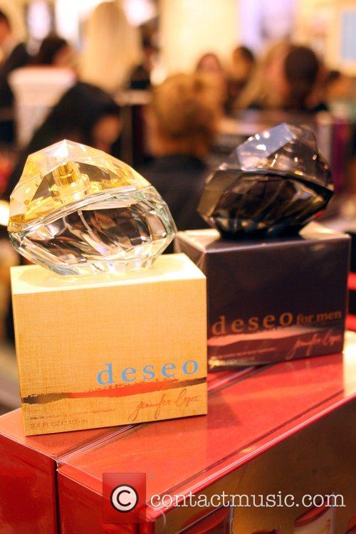 Atmosphere Jennifer Lopez launches her new fragrance 'Deseo...