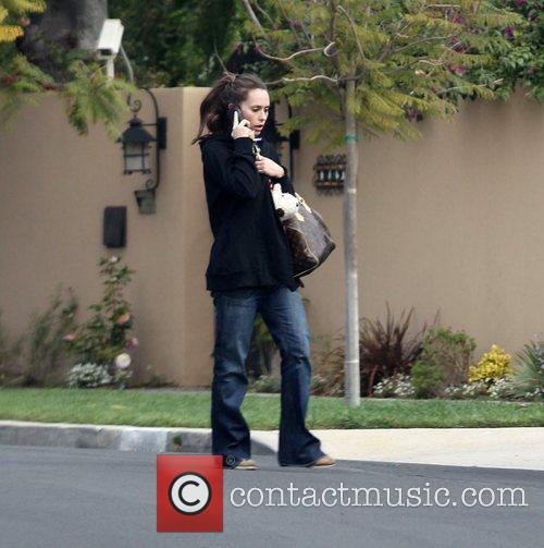 Arriving at her mum's house in Toluca Lake
