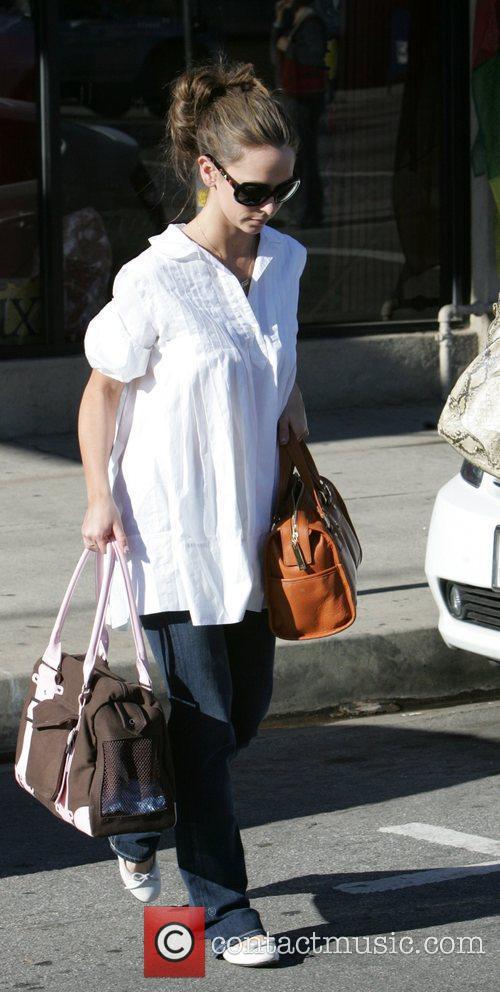 Jennifer Love Hewitt and Matrix 11