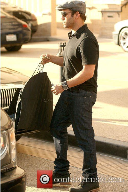 Jeremy Piven leaving Barneys New York in Beverly...