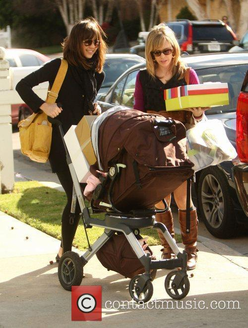 Jessica Alba, Daughter Honor Marie Shopping At Bel Bambini In West Hollywood and Then Going To A Baby Shower In Palos Verdes. 3