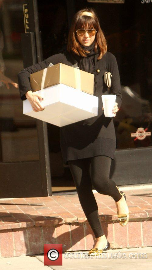 Jessica Alba, Daughter Honor Marie Shopping At Bel Bambini In West Hollywood and Then Going To A Baby Shower In Palos Verdes. 5