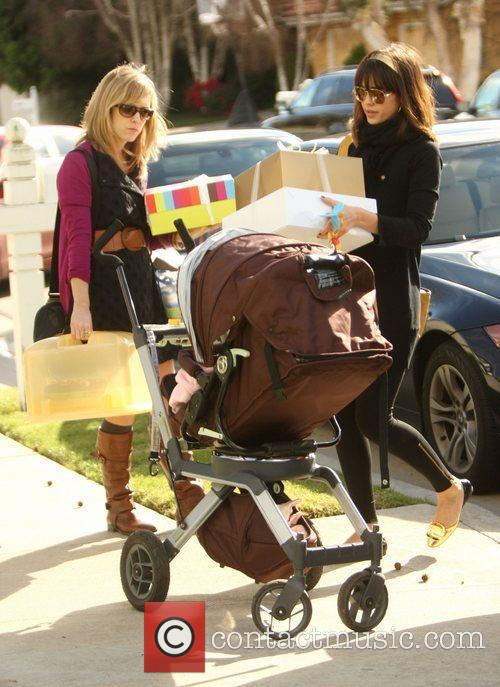 Jessica Alba and daughter Honor Marie shopping at...
