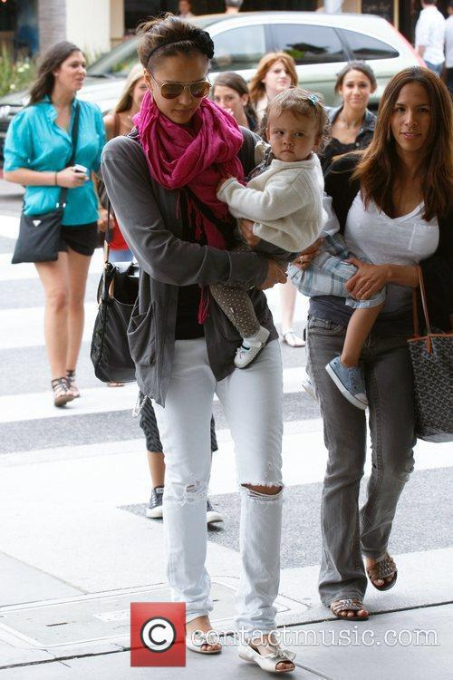 Jessica Alba and her daughter Honor Marie 24