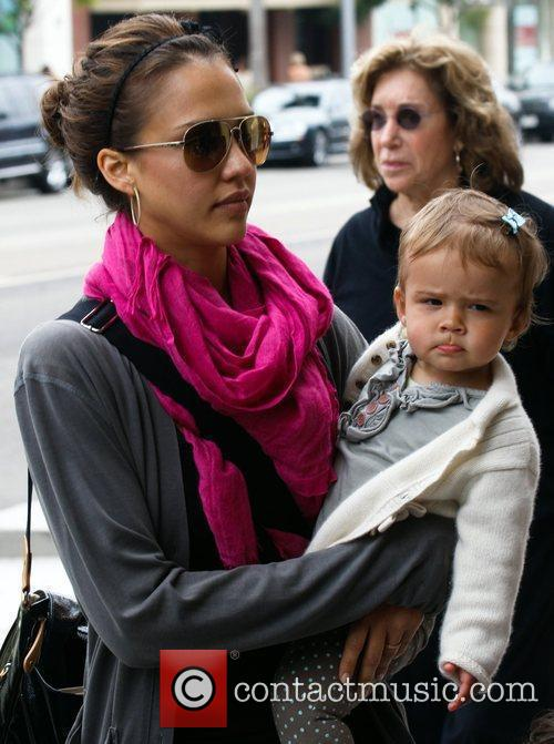 Jessica Alba and her daughter Honor Marie 25