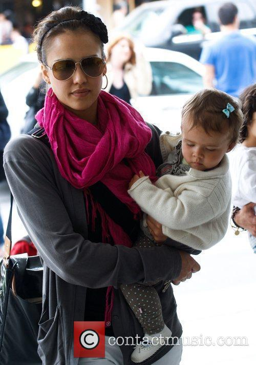 Jessica Alba and her daughter Honor Marie 30