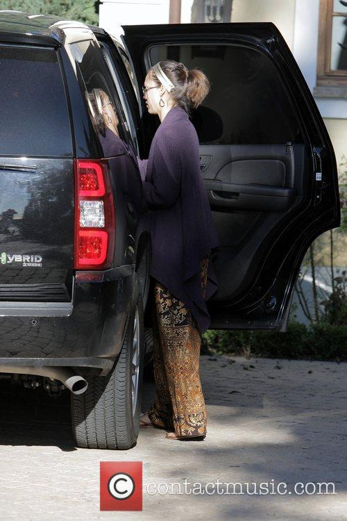 Jessica Alba and daughter Honor Marie visit a...