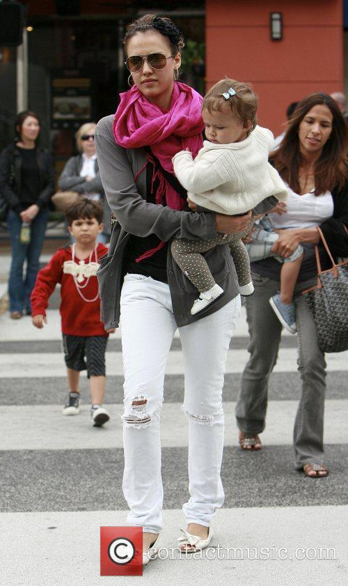Jessica Alba and her daughter Honor Marie 19