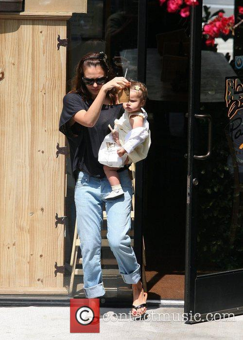 Jessica Alba stops by Le Pain Quotidien with...