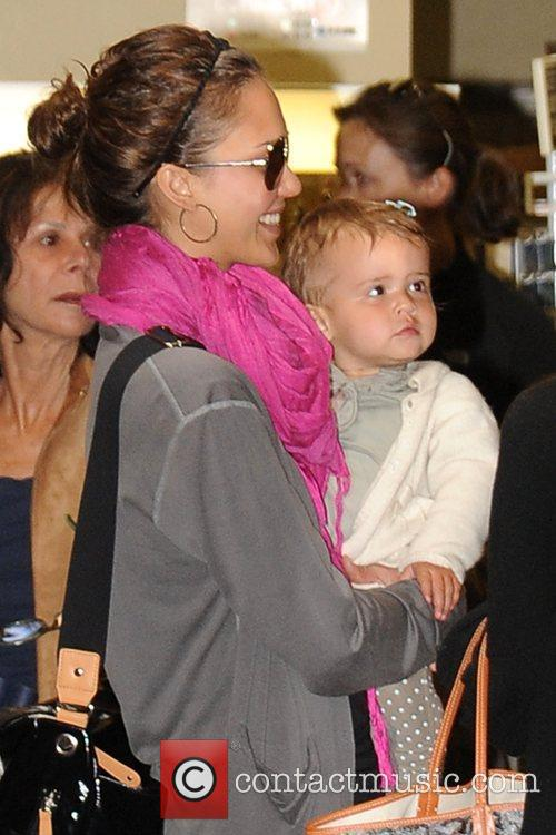 Jessica Alba and Her Daughter Honor Marie 9