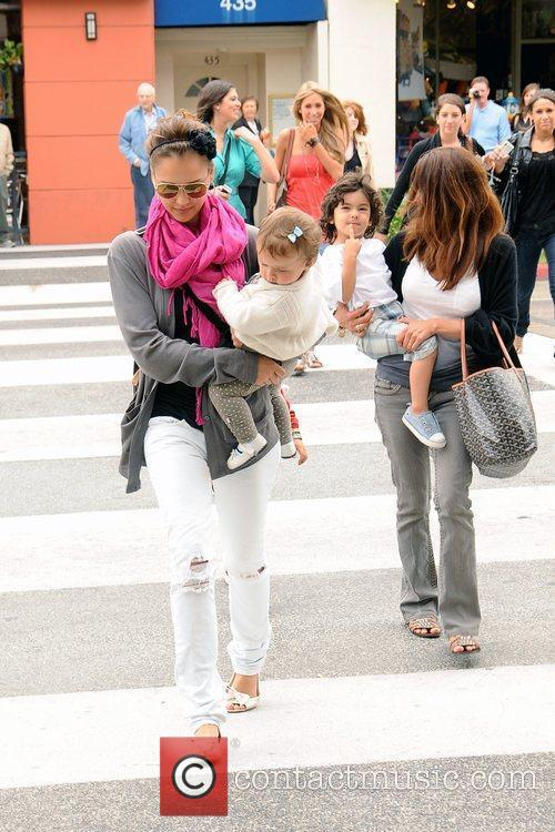 Jessica Alba and Her Daughter Honor Marie 8