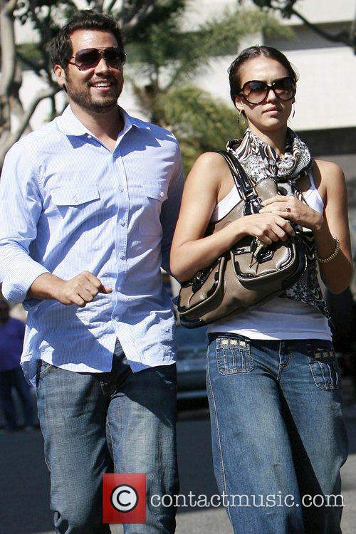 Jessica Alba and Cash Warren have lunch in Brentwood 1