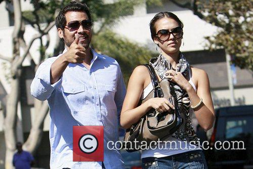 Jessica Alba and Cash Warren have lunch in Brentwood 4