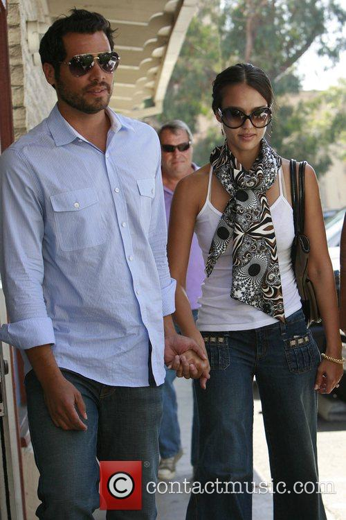 Jessica Alba and Cash Warren have lunch in Brentwood 2