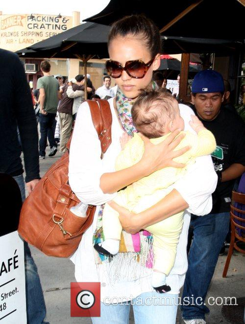 Jessica Alba, Cash Warren and Their Daughter Honor Leaving Toast Restaurant After Having Lunch Together 8
