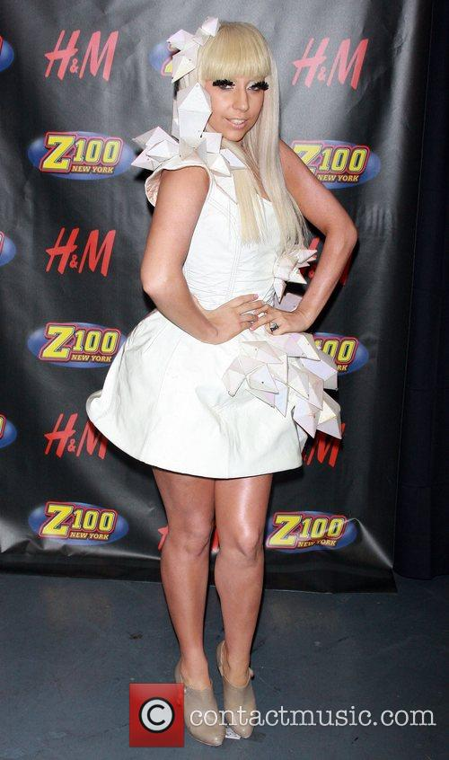 http://www.contactmusic.com/pics/lb/jingle_ball_concert_131208/lady_gaga_2215895.jpg