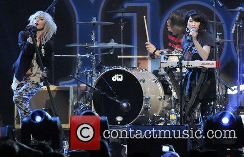 The Veronicas perform at Y100's Annual Jingle Ball...