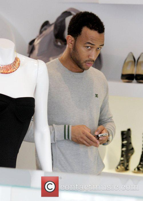John Legend and His Girlfriend Christy Teigen Go Shopping At Intermix 9