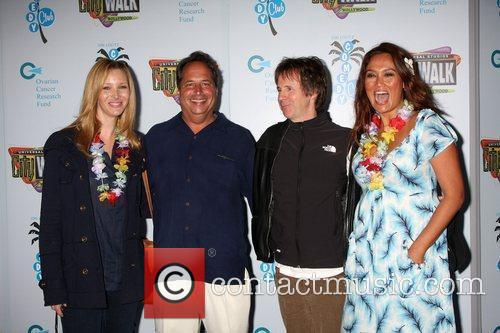 Lisa Kudrow, Dana Carvey and Tia Carrere 8