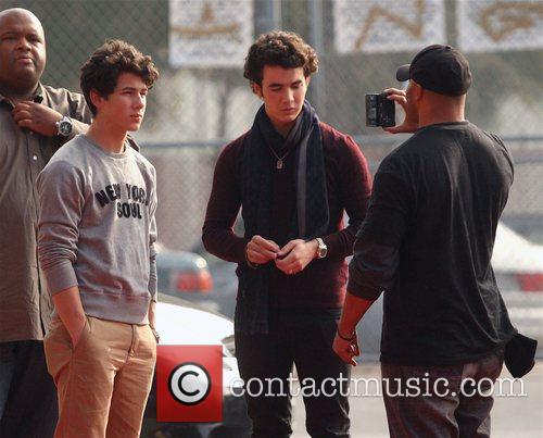 Nick Jonas and Kevin Jonas 3