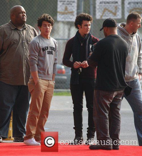 Nick Jonas and Kevin Jonas 1