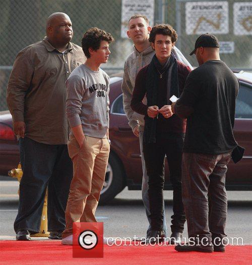 Nick Jonas and Kevin Jonas 8