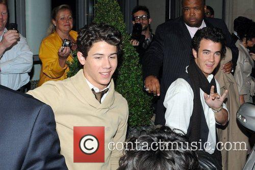 Kevin Jonas and Nick Jonas 2