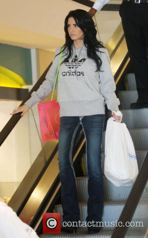 katie price aka jordan at the beverley centre for some shopping 2152842