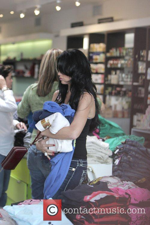 katie price aka jordan goes shopping at kitson boutique on robertson blvd 2152437