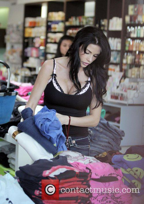 katie price aka jordan goes shopping at kitson boutique on robertson boulevard 2152482